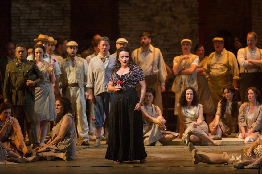 Clémentine Margaine spieva Carmen v rovnomennej opere Georgesa Bizeta Photo by Marty Sohl/Metropolitan Opera.